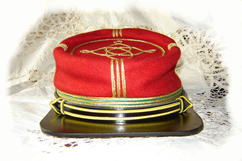 Kepí de Capitán de las Legiones Italianas. 399351f86d6